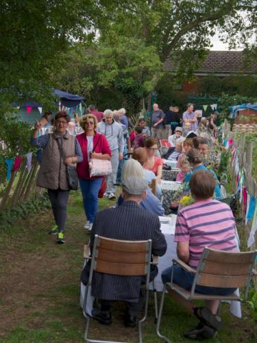Party atmosphere on the allotments